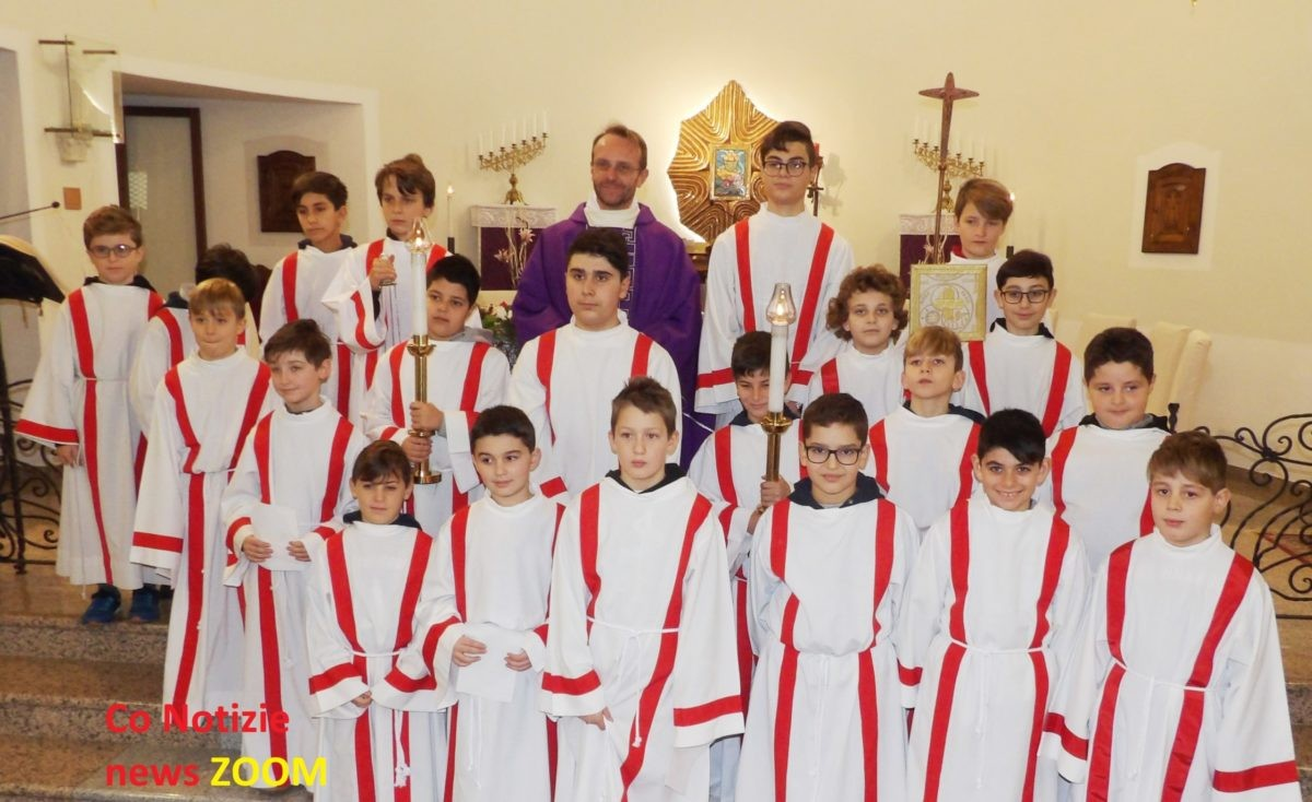 Corbetta - A Cerello i bimbi di Corbetta e della frazione, vestiti da chierichetti e da amiche di Gesù. 16/12/2019