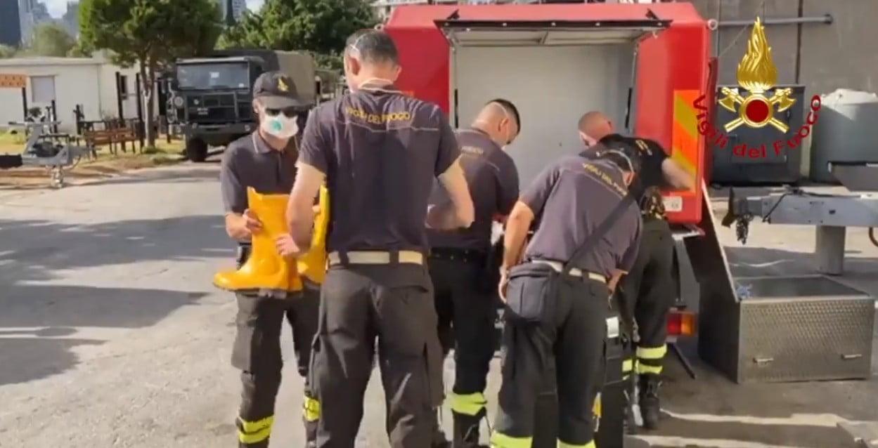Corpo dei vigili del fuoco e reggimento Cremona dell'esercito iniziano le operazioni a Beirut