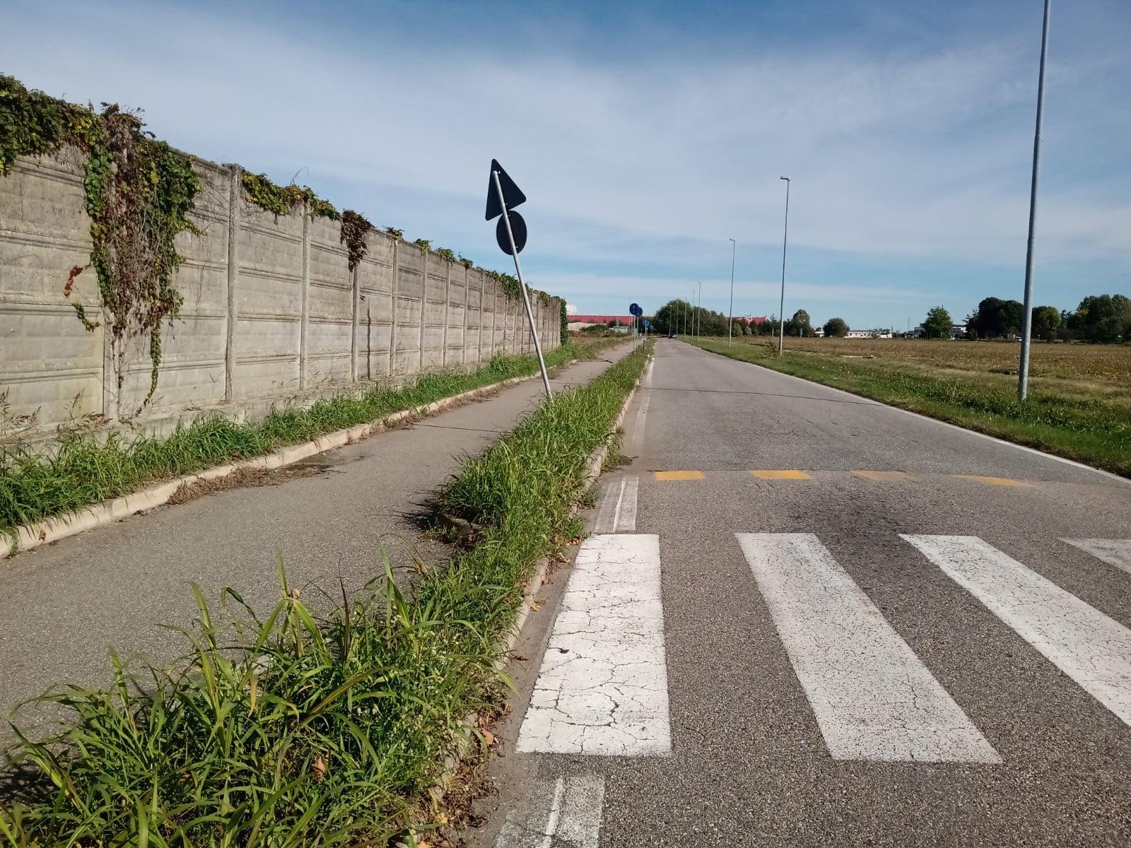 cartelli stradali Milano provincia - Ubriachi abbattono i cartelli stradali nella notte 07/10/2020