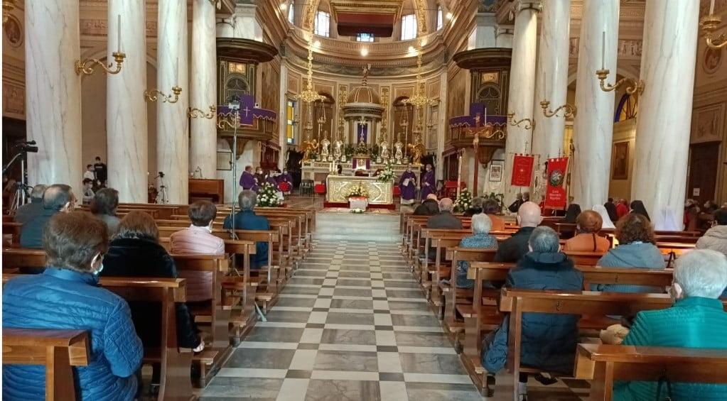 Funerale di don Bruno Pegoraro nella chiesa di San Vittore a Corbetta