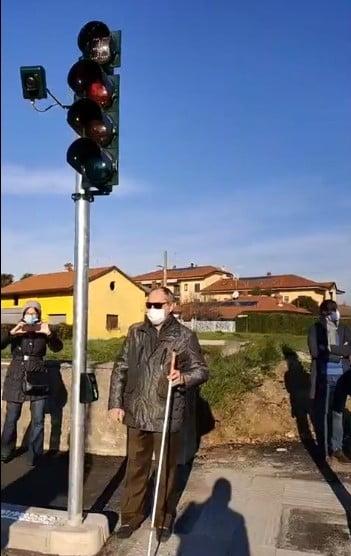 semaforo Corbetta - Inaugurato il primo semaforo per ipovedenti a Corbetta 23/11/2020