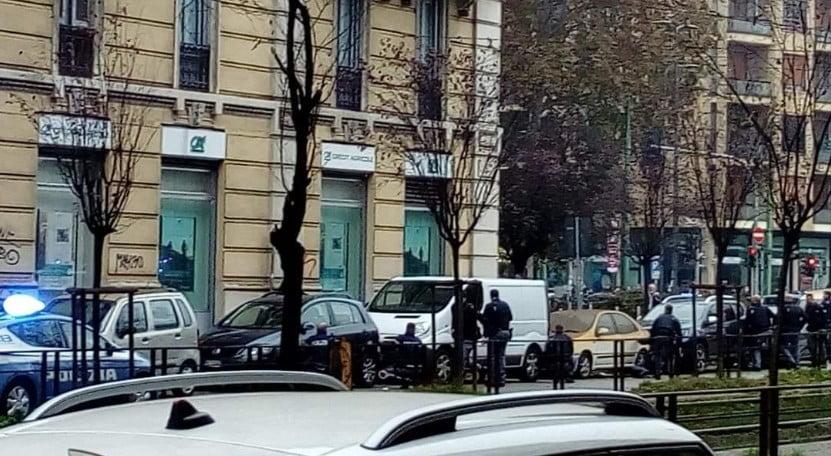 rapina in banca in piazzale Ascoli a Milano