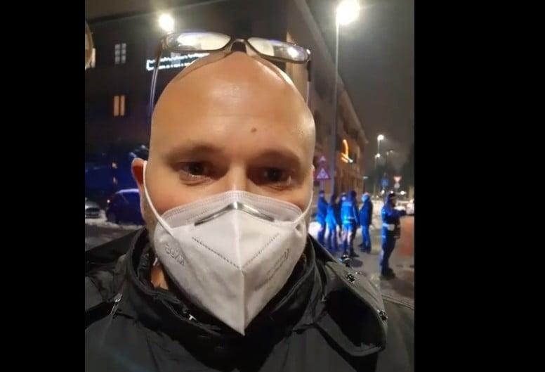 tombino Milano provincia - Cane folgorato dal tombino mentre era a passeggio con il padrone 30/12/2020