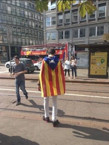 catalunya Magazine - Catalunya anche a Milano. Il flash mob dei lombardi 06/01/2021