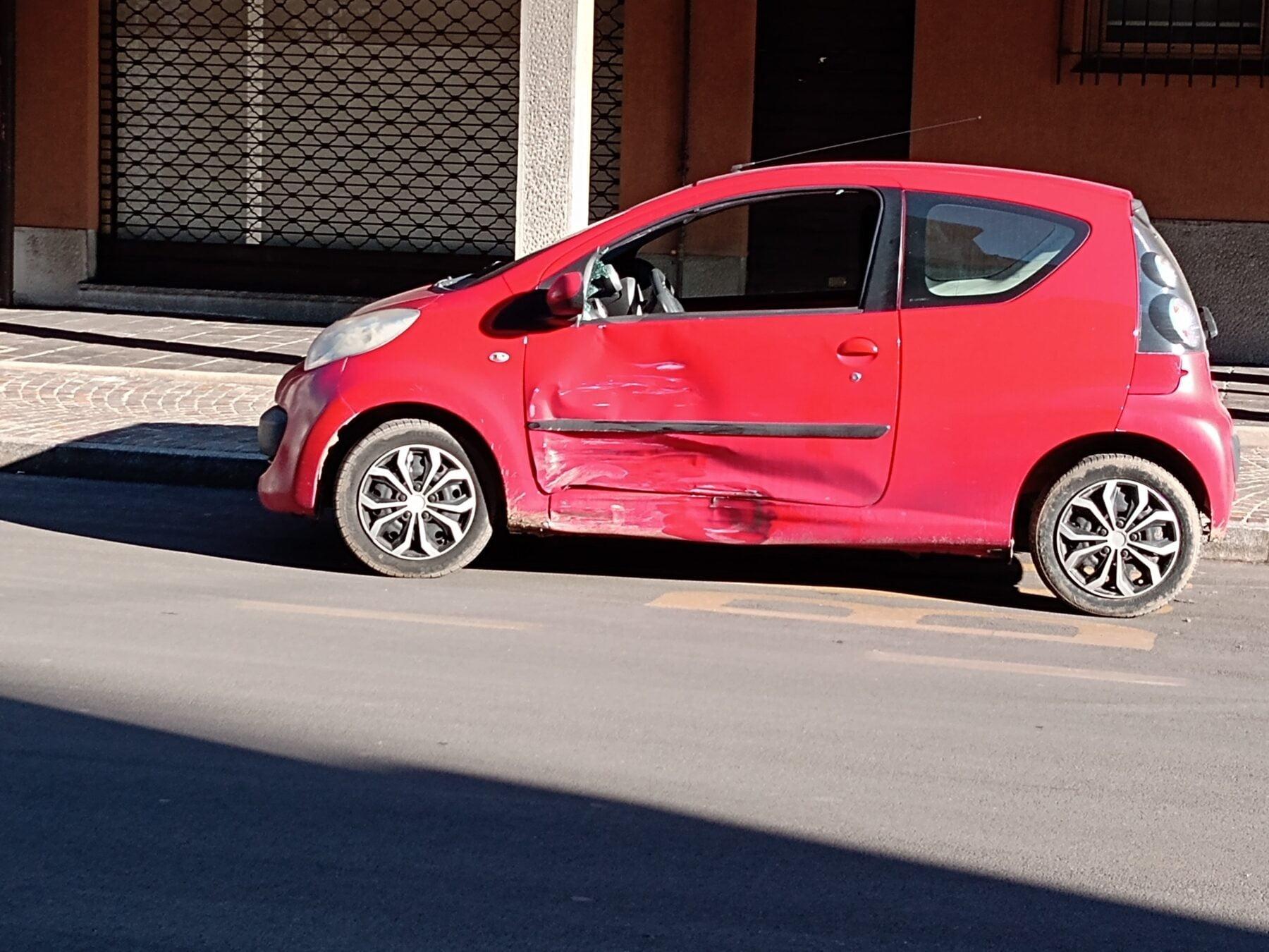 incidenti Ossona - A Ossona, via Bosi. 2 incidenti in 20 minuti 13/01/2021
