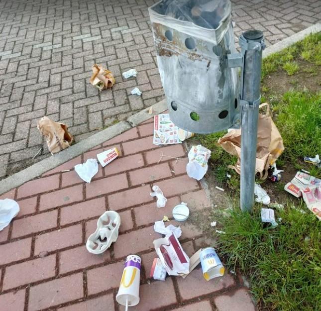 vandali Ossona - Vandali in Piazza Aldo Moro. Ecco chi è il colpevole 06/06/2021
